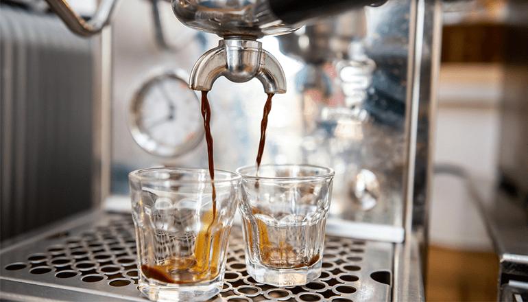 Akár speciality kávét is fogyaszthatsz nálunk. KAPTÁR coworking Budapest