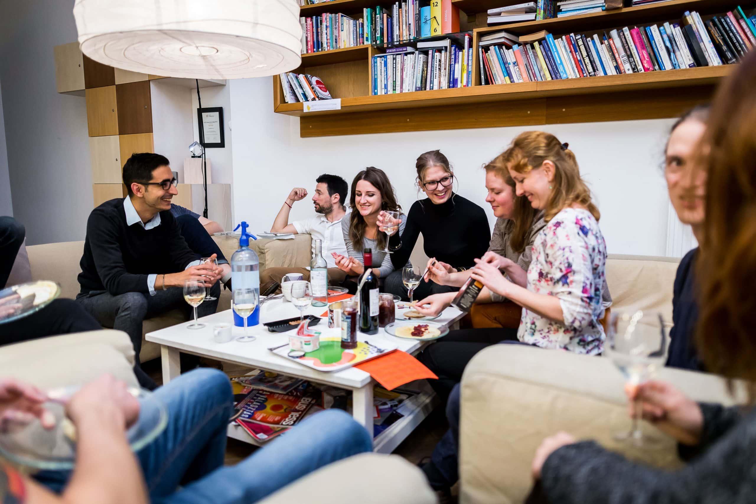 Ha most nem munkaállomást, hanem valódi kapcsolódásokat keresel, válts közösségi tagságot! KAPTÁR coworking Budapest