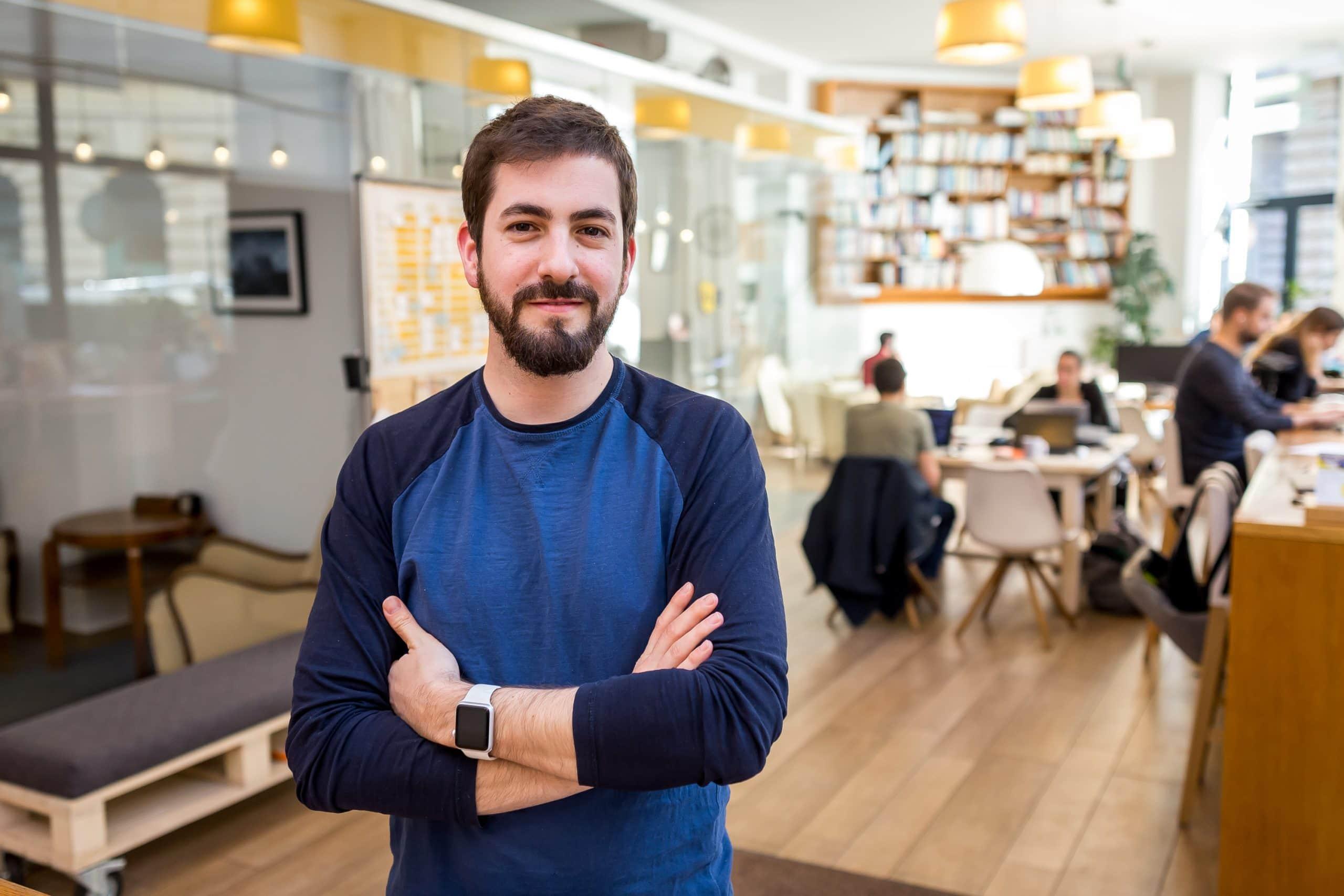 Levendel Áron - Kaptár alapító. KAPTÁR coworking Budapest