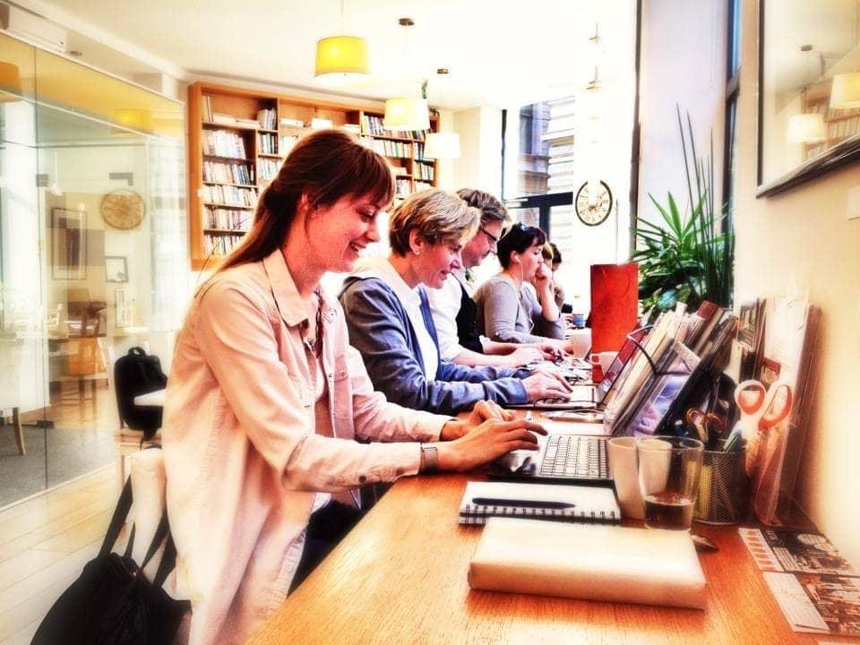 """Coworking, vagyis """"együtt dolgozás"""". KAPTÁR coworking Budapest"""