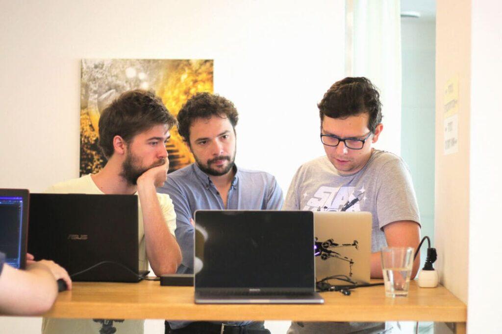 Startup csapatmunka. KAPTÁR coworking Budapest